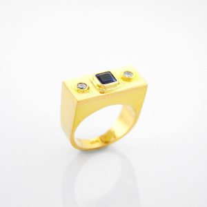 Big Bold Statement Ring with Blue Sapphire and Diamond in 18K Yellow Gold