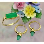 Chrysoprase Kelly Green Australian Agate Hand Cut Cabochon Ring Set in Solid 14K Yellow Gold